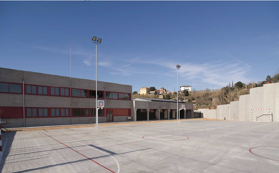 "College of Infant and Primary Education ""LA ROUREDA"" TORDERA"